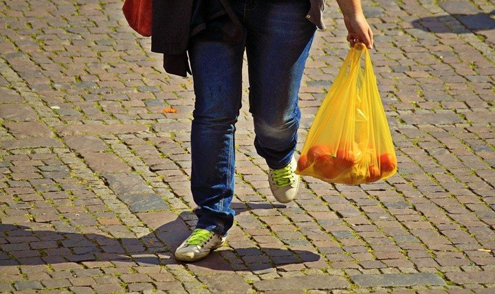 10 uses of plastic bags